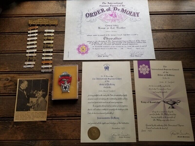 *NICE LOT ORDER OF DEMOLAY MEDALS, PINS, ETC.*