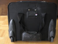 CARRY BAG FOR LAPTOP / DOCUMENTS / Brand : AMERICAN TOURISTER