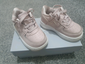 Baby girl Nike Air force size 4.5