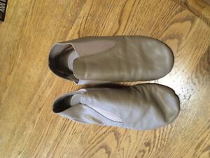 Ladies leather jazz shoes size 7 and 7 1/2