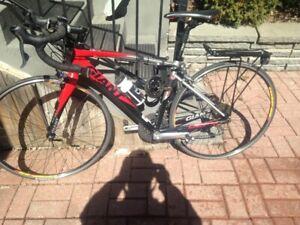 Vélo de performance route, valeur à neuf 2400$