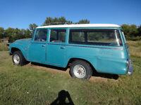 1965 international travelall 4x4 suburban panel truck
