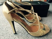 Gold Sachi high heels. Size 7 Kangaroo Point Brisbane South East Preview