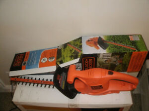 Back & Decker 16 inch hedge Trimmer....electric 2 months old