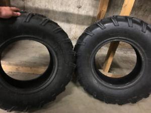 2 pneus de vtt