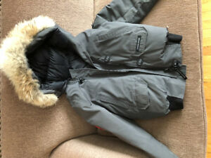 2 CANADA GOOSE COATS FOR SALE SIZE S AND M