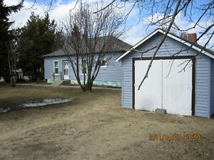 AVAILABLE NOV 1ST OR 15TH. 2 BDRM HOUSE, FOAM LAKE