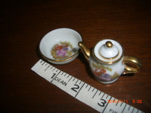 LOOKING 4 A MINIATURE REAL LIMOGE WATER JUG   1+1/8 INCHES TALL