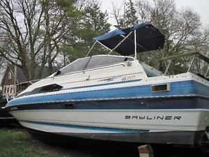 25 ft Bayliner with aft cabin