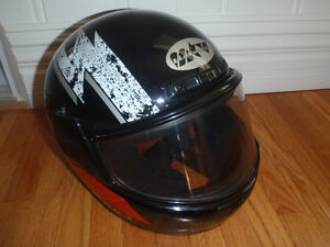 snowmobile helmet with heated visor in exc cond size small Kitchener / Waterloo Kitchener Area image 1