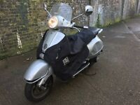 2005 Vespa Gt 125cc Lerner legal 125 cc Has aftermarket exhaust system. Has Mot.