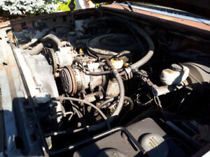 Ford 460 truck engine carburated