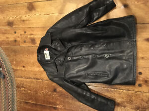 Schott leather Peacoat.38. Lightly used no scratches or scrapes