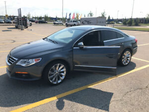 2011 Volkswagen Other Sportline Sedan - CLEAN - LOW KMs