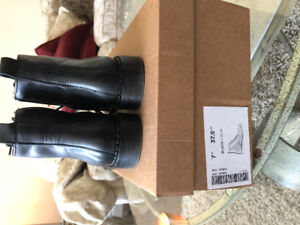 Size 7 frank and oak black boots