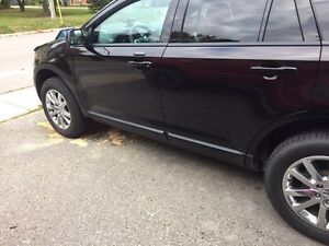 2014 Ford Edge, low kms!!