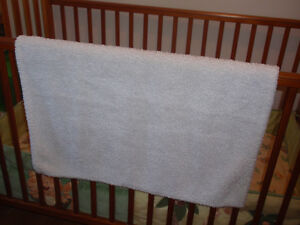 Warm baby blanket West Island Greater Montréal image 1
