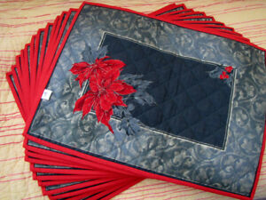 CHRISTMAS POINSETTIA - QUILTED PLACEMATS