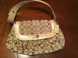 COACH PURSE BEIGE & BROWN / SACOCHE COACH BEIGE & BRUN