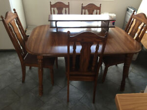 Wood Oak Dining room table and chairs