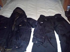 Men's Medium Snowboarding Suit
