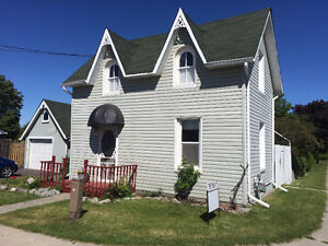 2 Bedroom Home Move in ready & Fenced Yard. West side Trenton