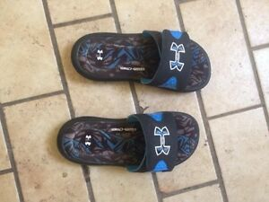 Boys youth sandals size 2