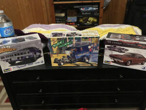 3 Excellent Miniature Car Models for Sale: Charger Cuda Paddy