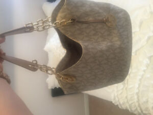 Authentic white leather Michael Kors Bag