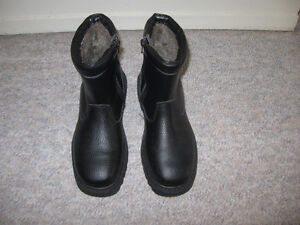 Winter boots, size 9-10