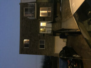 1200 Negotiable for 5 1/2 Apartment Rent 1st Floor Duplex
