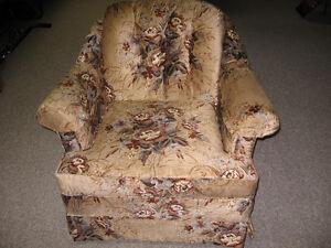 Couch w/ chair Sarnia Sarnia Area image 2