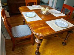 VINTAGE SOLID WOOD TABLE also 6 CHAIRS ( separate price)