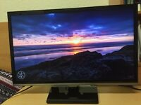 "Samsung Full HD LED Tv / Monitor 22"" like new with Freeview HD"