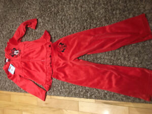 Girl's Brand New Disney Minni Mouse Velour Outfit
