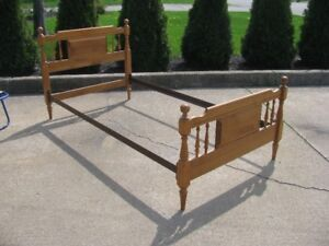 SINGLE BED FRAME WOOD HEADBOARD / FOOTBOARD SIDE RAILS