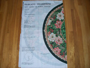 Tree skirt/table topper Christmas fabric pattern