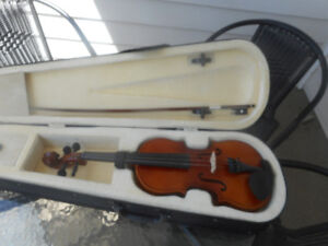 VIOLINS / FIDDLES  $130.00 to $275.00