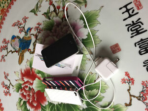 iPhone4 mint condition with no scratch; 32GB (price reduced!)