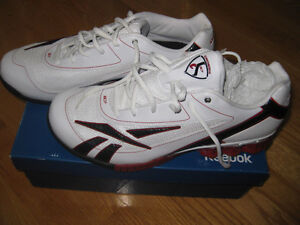 REEBOK running shoes , NEW  NEW brand new in box great deal