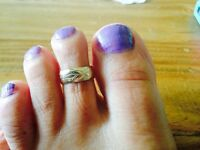 Solid gold toe ring