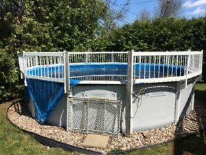swimming pool- 18 feet above ground with fence