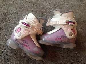 Kids Ski boots Dalbello 'gaia 1' size 24/UK 5
