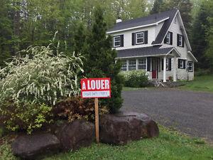 Très Jolie Maison à Louer - Morin Heights