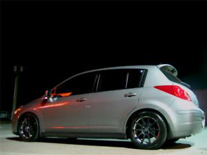 Nissan versa 2008 1.8 SL manuel TOIT OUVRANT (Aucune Rouille)