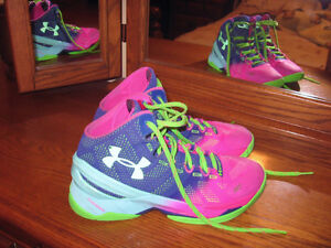 UNDER ARMOUR CURRY TWO - Basketball shoes - sz.8.5