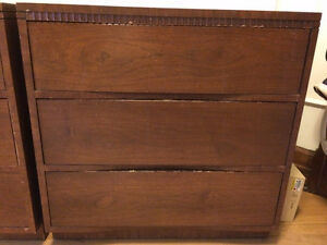 3-Drawer Wooden Dressers/Commodes
