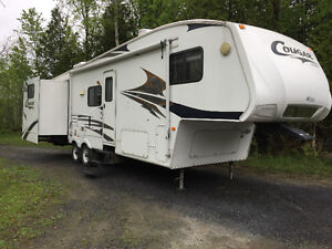 2006 Keystone Cougar 289EFS Fifth Wheel Camper Trailer