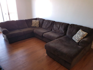 Jessa Place 3PC Sectional - Oversized