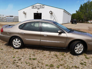 2004 Taurus SEL only 85413 km mint condition *****
